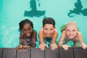 children in swimming lesson
